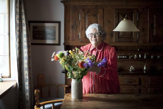 Interview mit Frau Anja Bremi, Gründerin der UBA Unabhängige Beschwerdestelle für das Alter, in der NZZ vom 10. Juni 2016